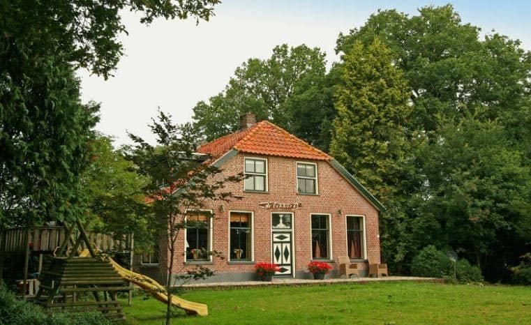 Sfeervolle groepsaccommodatie in Overijssel, heerlijk met de familie of vrienden samen in een huis!
