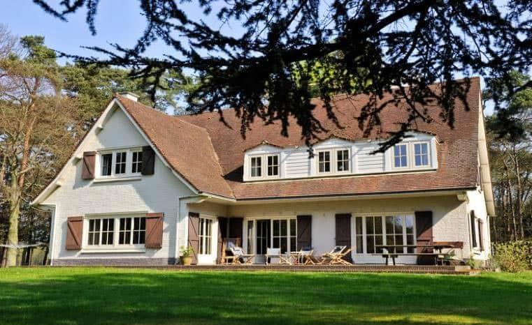 Grote vakantiehuizen 14 personen for Grote villa