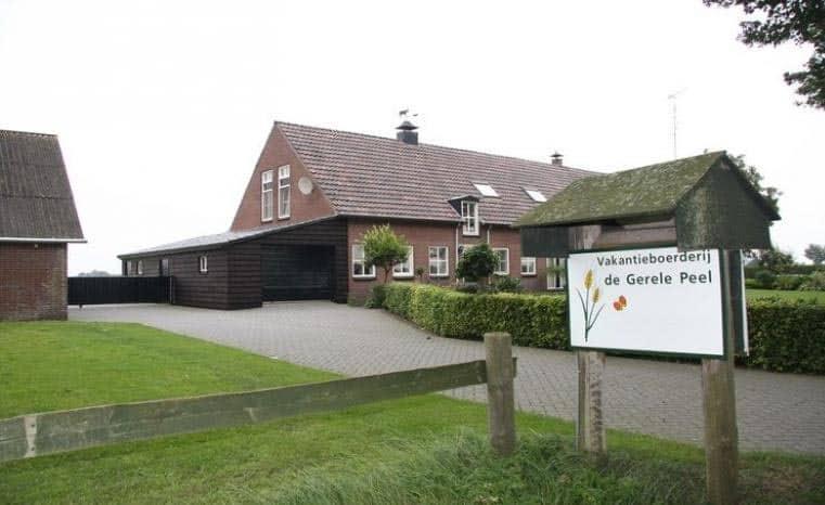 Deze geschakelde boerderij ligt rustig in het Brabants dorpje Elsendrop